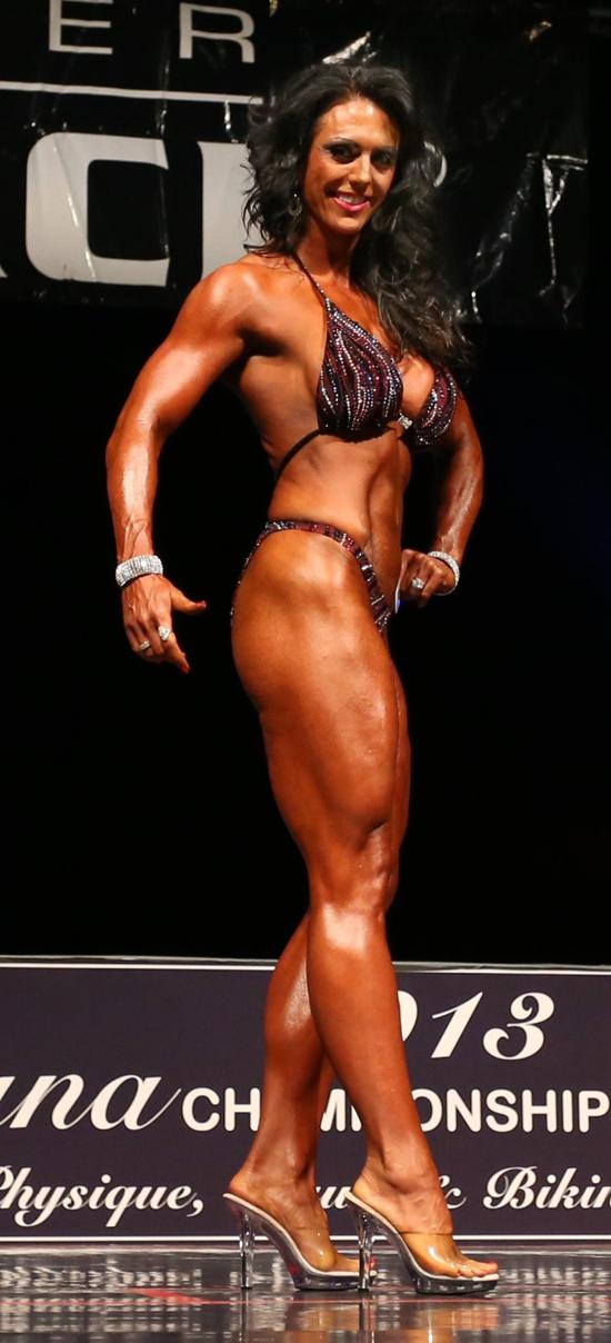 Womens Figure 35 Plus-0067-Nicole bonin